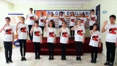 Öğrenciler İstiklal Marşı'nı işaret dili ile okudu