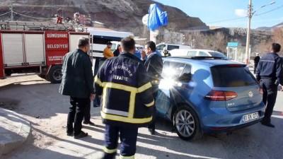 Otomobil ile motosiklet çarpıştı: 2 yaralı - GÜMÜŞHANE