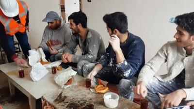 Düzceli inşaat işçileri Seda Sayan'dan özür bekliyor