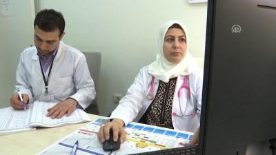 'Beyaz önlüğü' ilk kez Türkiye'de giydi - İZMİR