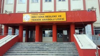 Okul girişine çipli giriş-çıkış sistemi kuruldu