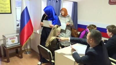 Türkiye'deki Rus vatandaşları sandık başında - İZMİR