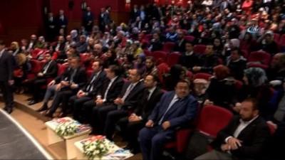 Bakan Özhaseki, Üsküdar Belediyesi Yazarlık Okulunu tamamlayan öğrencilere sertifikalarını verdi