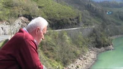 Baraj gölünde kayıp şahsı arama çalışmaları sürüyor