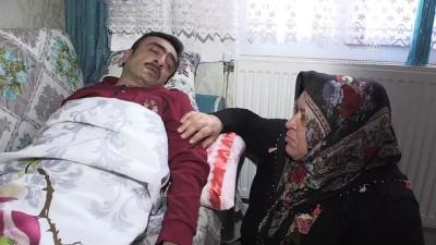 Böbrek hastası eşine engeline rağmen derman oluyor - GAZİANTEP