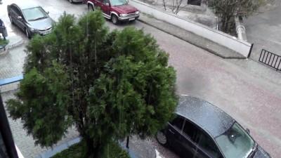 Edremit ilçesinde dolu yağışı - BALIKESİR