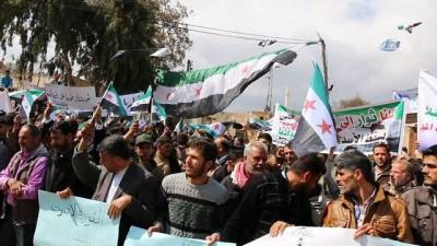 - Halep halkı Zeytin Dalı'na ve Guta'ya destek, Esat'a lanet gösterisi yaptı