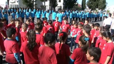 360 öğrencinin bedenleriyle Türkiye haritası çizdiği Afrin koreografisi havadan görüntülendi