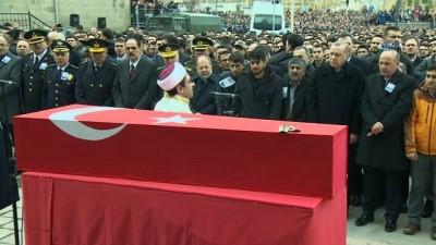 sehadet -  Cumhurbaşkanı Erdoğan, şehit teğmenin cenaze törenine katıldı