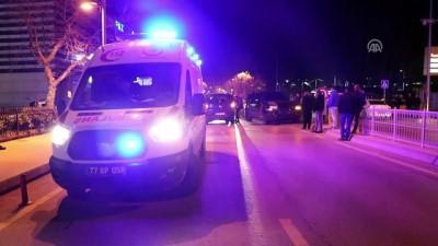 İki araç çarpıştı: 3 yaralı - YALOVA