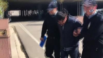 Kadıköy'de metro istasyonunda, işe giden başörtülü bir kadına küfür ederek saldıran A.M emniyetteki ifadesinin ardından Kartal'daki İstanbul Anadolu Adalet Sarayı'na sevk edildi.