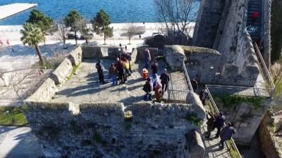 Sinop Kalesi'nde intihar girişimi