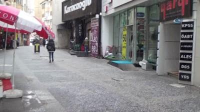 Sivas'ta dolu yağışı, şehir kısa süreli beyaza büründü