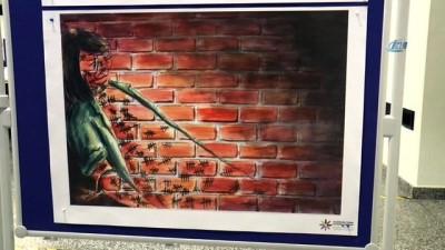 """- Yeşilay'dan """"uyuşturucuyla mücadele"""" temalı karikatür sergisi"""