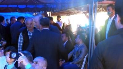 Bakan Çavuşoğlu, şehit uzman çavuş için okutulan mevlide katıldı