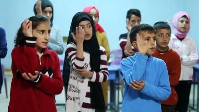 Diyarbakırlı öğrencilerden işaret diliyle 'Çanakkale Türküsü' - DİYARBAKIR