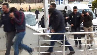 Karaman'da FETÖ/PDY operasyonunda, 2 asker tutuklandı