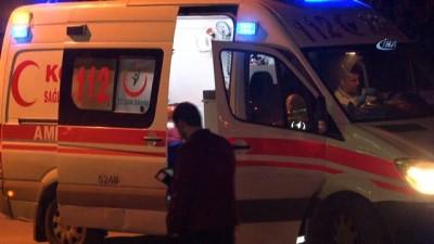 Otomobil tramvay yoluna düştü: 2 yaralı