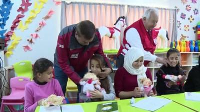 Türk Kızılayı'ndan Suriyeli yetim çocuklara oyuncak - HATAY