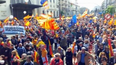 - İspanya'da bağımsızlık karşıtı protesto gösterisi