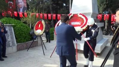 Kahramanmaraş Şehitliği'nde hüzünlü tören