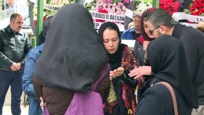 Ekonomi Bakanı Zeybekci hayatını kaybeden fotoğrafçısı Mesut Yeşil'in cenaze namazına katıldı - ANKARA