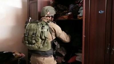 - İsrail Askerleri Batı Şeria'da 13 Filistinliyi gözaltına aldı