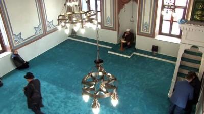Restorasyonu tamamlanan tarihi Kirazlı Mescid Camii, Cuma namazıyla tekrar ibadete açıldı