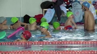 İyileşmek için başladığı yüzmede hedefi milli takım - TRABZON