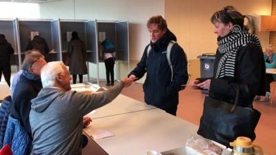 Hollandalılar yerel seçim için sandık başında - LAHEY