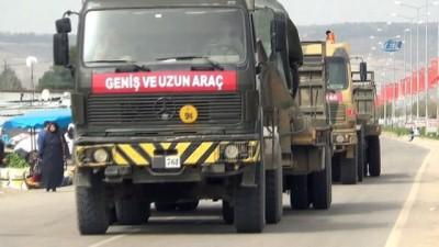 Afrin'e askeri araç sevkiyatı
