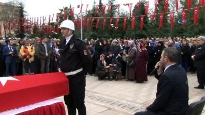Şehit polis Çavdar için valilik önünde tören yapıldı