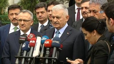 Başbakan Yıldırım:'Patriot ve NATO ile uyumlu diğer savunma sistemlerine yönelik çalışmalarımız devam edecek. Bunlar S400'lerin alternatifli değildir'
