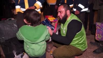Doğu Guta'dan tahliye edilen ilk kafile İdlib'e ulaştı - İDLİB