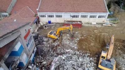 Şişli Endüstri Meslek Lisesi'ndeki yıkım havadan görüntülendi