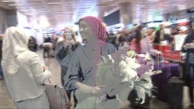 Dünyaca ünlü mülteci top model Halima Aden Türkiye'de