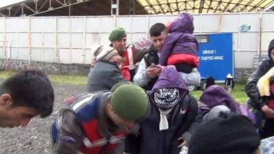 Ayvalık'ta 43 göçmen yakalandı