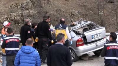 Tır ile otomobil çarpıştı: 3 ölü, 1 yaralı - GÜMÜŞHANE