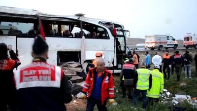 Yolcu otobüsü şarampole devrildi: 4 ölü, 37 yaralı (4) - AKSARAY