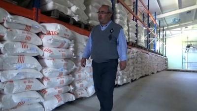 İstanbul'daki din görevlilerinden Suriyelilere 400 ton un yardımı