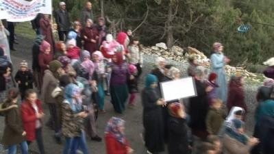 Köylü çocuklar: 'Zehir solumak istemiyoruz'