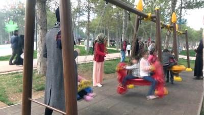 Sıcak havayı fırsat bilen piknikçiler, Fethi Sekin piknik alanına akın etti
