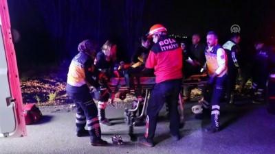 Otomobil ile kamyon çarpıştı: 2 ölü, 1 yaralı - BOLU