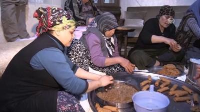 Annelerin Mehmetçiğe destek mesaisi - HATAY
