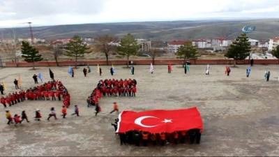 Minik yüreklerden Mehmetçiğe destek