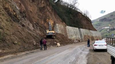 Trabzon'da toprak kayması sonucu kapanan yol ulaşıma açıldı