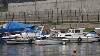 Karadeniz'de kötü hava balıkçıları etkiledi - SAMSUN