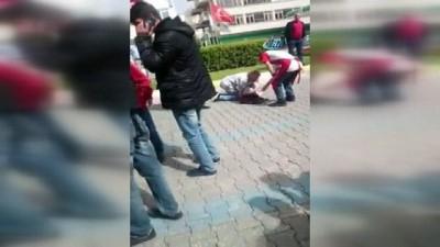 Kontrolden çıkan motosiklet yayaya çarptı: 3 yaralı