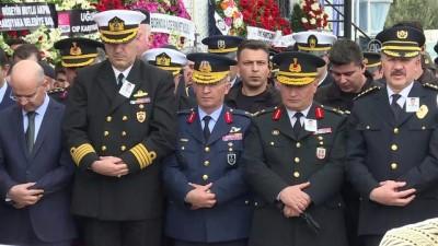 Şehit polis memuru Çelik, son yolculuğuna uğurlandı (2) - İZMİR