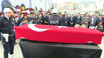 Şehit polis memuru Çelik, son yolculuğuna uğurlandı (3) - İZMİR